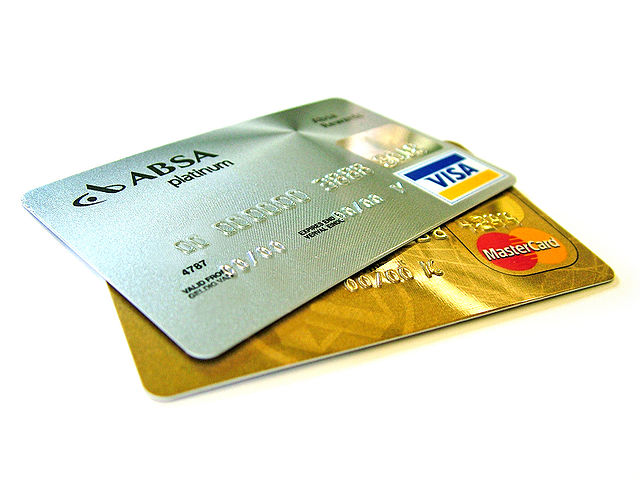 Credit-cards_By_Lotus_Head_from_Johannesburg,_Gauteng,_South_Africa_(sxc.hu)__(Own_work)_[CC-BY-SA-3.0_(http_creativecommons.org_licenses_by-sa_3.0)]_via_Wikimedia_Commons